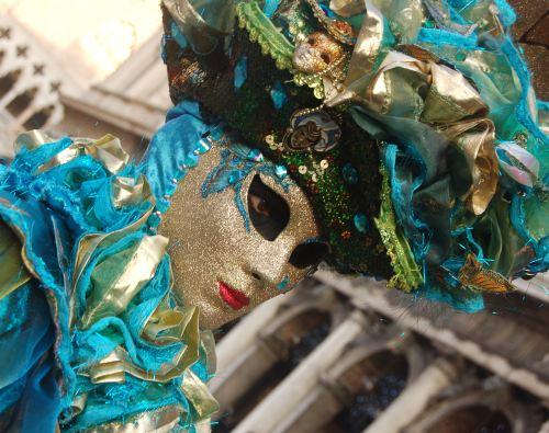 טיול לאיטליה – האיטלקים חוגגים בקרנבלים